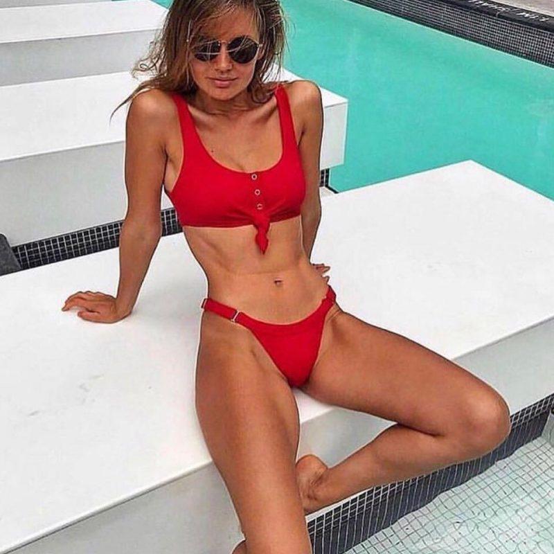 Rdeče bikini kopalke z nastavljivimi hlačkami